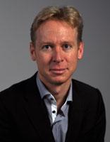 Lukas M Schmid